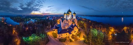 Night panorama of the Assumption Cathedral