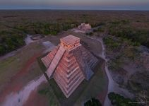 Temple of Kukulcan in the last rays of the sun